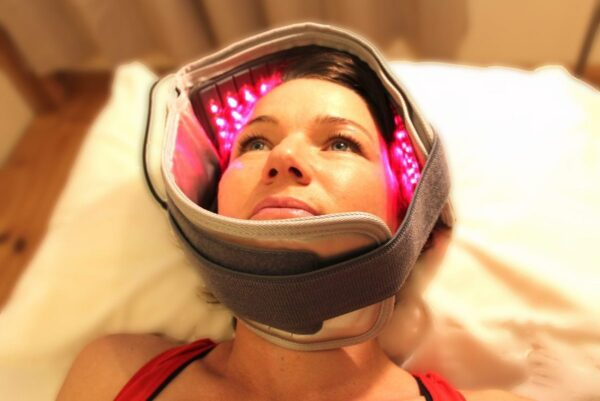 tandpine kæbehulebetændelse kæbesmerter skjoldbruskkirtlen visdomstand paradentose migræne hovedpine udslæt arvæv operation ansigt